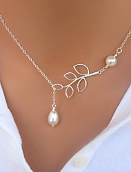 Necklace Pendant Necklaces Jewelry Party / Daily / Casual Fashion Alloy / Imitation Pearl Silver / White 1pc Gift